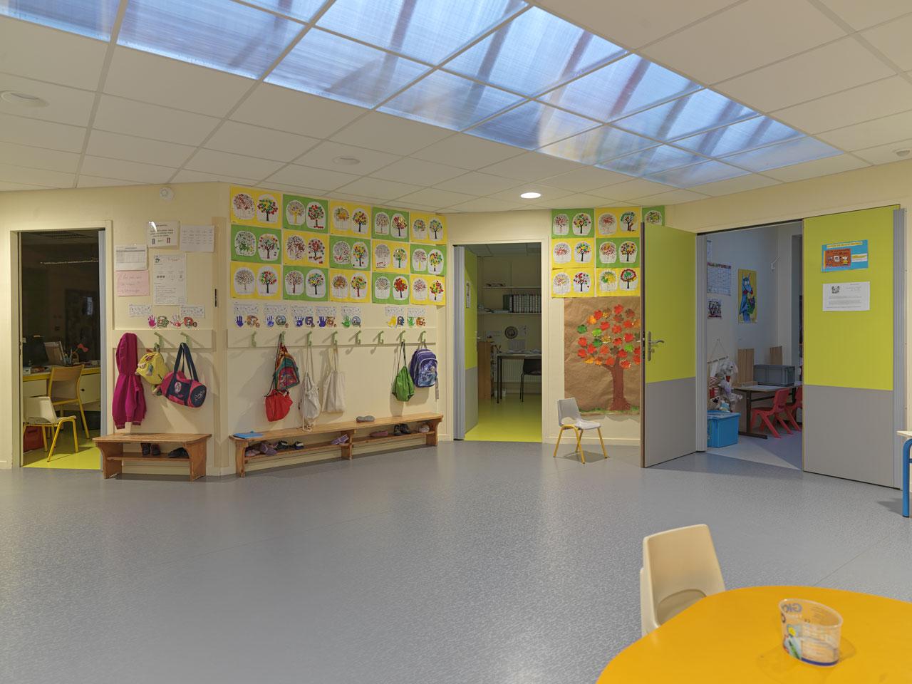 intérieur école maternelle du val cottey